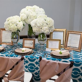 Wedding dinner table setting